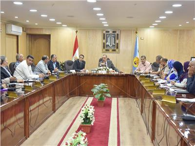 اجتماع مجلس تنفيذي محافظة أسيوط