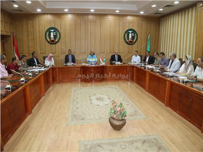 محافظ المنوفية يترأس اجتماع لجنة صندوق الاسكان الاقتصادى