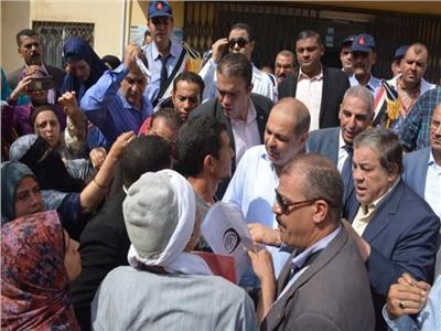 محافظ الغربية يقررعزل مدير مستشفى قطور .. ويؤكد : لا مجال للمقصرين