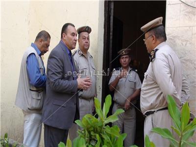 مدير أمن المنوفية يفاجئ الخدمات الأمنية بالكنائس والبنوك
