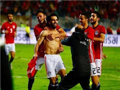 محمد صلاح يحتفل بهدف الفوز على تونس