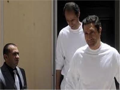 تأجيل محاكمة علاء وجمال مبارك بقضية التلاعب بالبورصة إداريًا