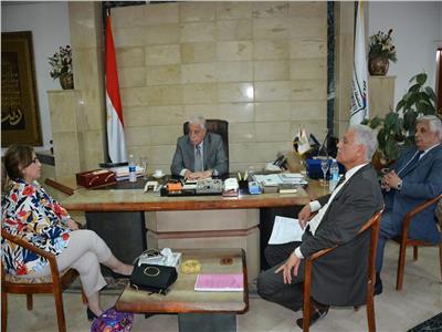 «فودة» يستقبل مدير برنامج السياسات والحوكمة بوزارة الإسكان