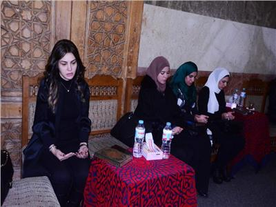 دينا فؤاد خلال تقديم واجب العزاء