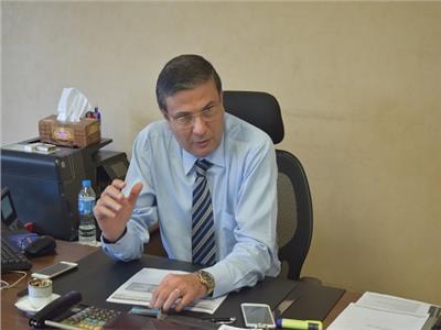 الرئيس التنفيذي للتجزئة المصرفية بالبنك الأهلي المصري علاء فاروق