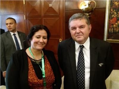 هشام توفيق وزير قطاع الأعمال العام مع محررة «بوابة أخبار اليوم»