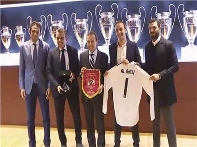 بوتراجينيو يستقبل وفد الأهلي في ريال مدريد
