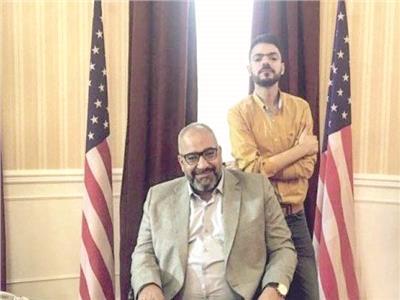 بيومى فؤاد ووليد أبو المجد فى مشهد من مسلسل «حشمت فى البيت الأبيض»