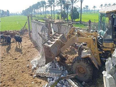 استمرار حملات إزالة التعديات علي أراضي الدولة بدمياط