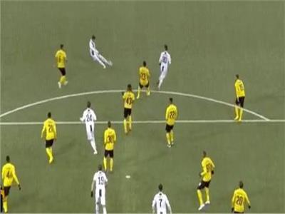 صورة من مباراة يوفنتوس ويونج بويز