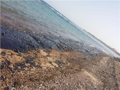 لجنة عاجلة من البيئة لبحث تلوث زيتي برأس غارب