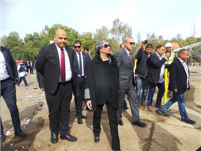 وزيرة البيئة تزور مصنع تدوير المخلفات بالصالحية في قنا