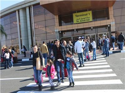 مطار شرم الشيخ يستقبل أول طائرة سياحية من «طاجيكستان»