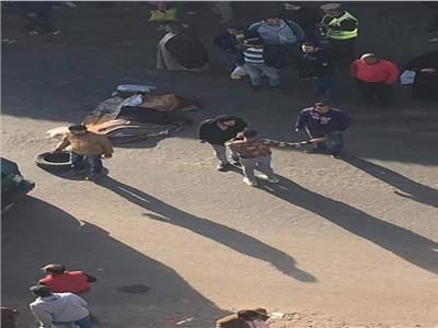 مصرع عجوز صدمتها سيارة داخل موقف المؤسسة بشبرا الخيمة