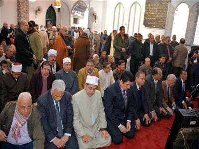 محافظ القليوبية يفتتح مسجد المشايخ بقرية الرملة بمركز بنها