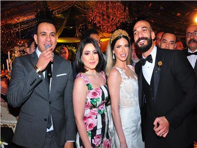 الليثي وبوسي في زفاف «محمود ونهى»