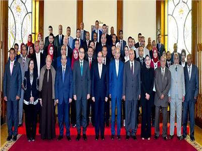 الرئيس السيسي عقب اجتماعه بممثلي الوادي الجديد