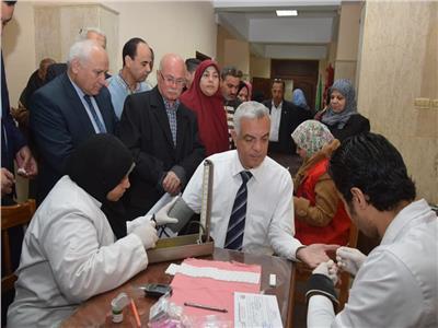 مبارك يتابع مبادرة ١٠٠ مليون صحة