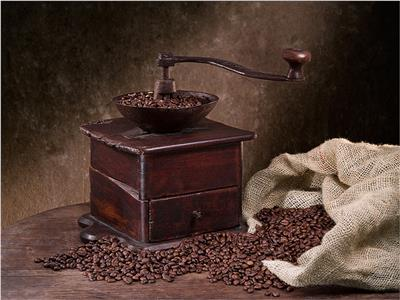 تحريم القهوة.. قاطفها وطابخها وشاربها في النار