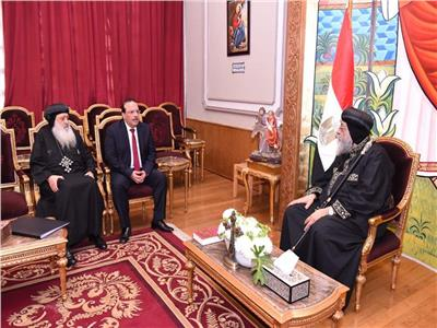 رئيس جامعة طنطا يزور البابا تواضروس