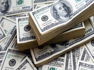 سعر الدولار يواصل تراجعه بالبنوك في ختام تعاملات اليوم