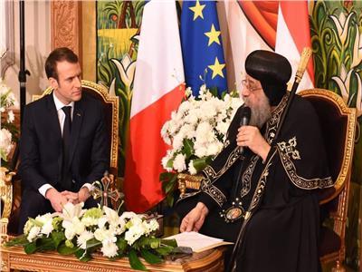 البابا تواضروس أثناء استقباله للرئيس الفرنسي