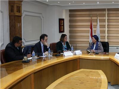 وزيرة البيئة تلتقي مديرة بنك التعمير الأوروبي لبحث سبل التعاون