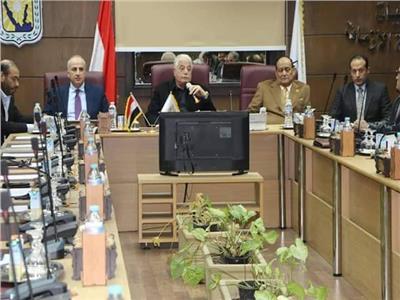 فوده خلال اجتماعه بمستثمري جنوب سيناء