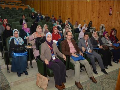 الحضور بمؤتمر الكلي بجامعة أسيوط
