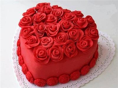 قبل عيد الحب .. تعرفي على طريقة تورتة «الفلانتين»