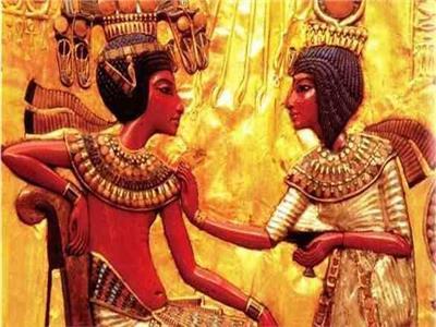 «مر إك» يا نوسة.. كيف عبر الفراعنة عن حبهم بالهيروغليفية؟