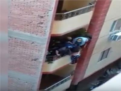 فيديو| «بوابة أخبار اليوم» داخل منزل «سيدة البلكونة بفيصل»
