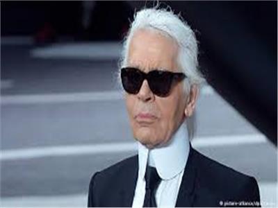 مصمم الأزياء الشهير كارل لاجرفيلد