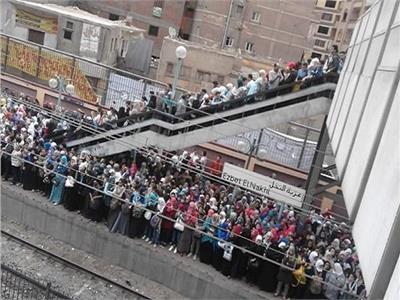 أهالي عزبة النخل يطالبون بتطوير محطة المترو لاستيعاب 2 مليون نسمة