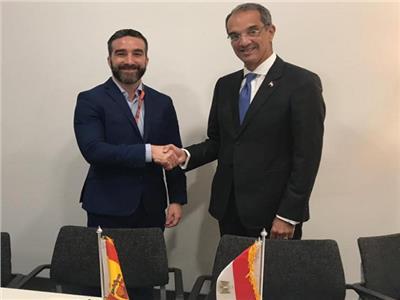 وزيرا الاتصالات المصري ووزير الدولة لشؤون التحول الرقمي بأسبانيا