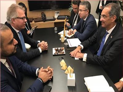 وزير الاتصالات يلتقي بقيادات شركة سينوبسيز العالمية