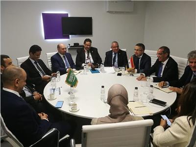 وزير الاتصالات ونظيره السعودي خلال اللقاء