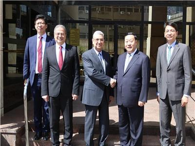 شاكر يستقبل رئيس منظمة الربط الكهربائي العالمى