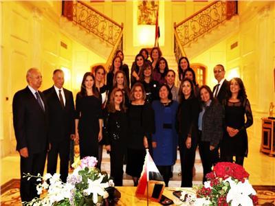 وزيرة الهجرة تلتقي أعضاء السفارة المصرية بلبنان