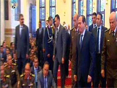 الرئيس السيسي يصل مسحد المشير طنطاوي لأداء صلاة الجمعة