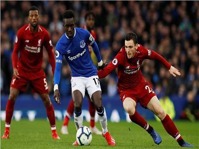 ليفربول في مواجهة قوية أمام بيرنلي في الدوري الإنجليزي