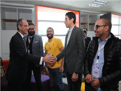 وزير الاتصالات يلتقي رواد الأعمال الشباب المتميزين