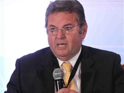 الدكتور هشام توفيق وزير قطاع الأعمال العام