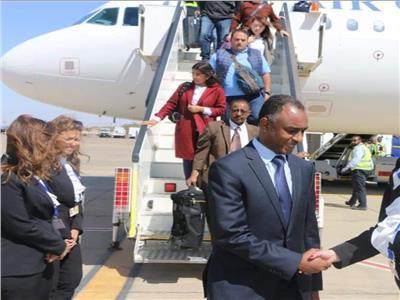 مطار أسوان يستقبل ضيوف ملتقي الشباب العربي الأفريقي