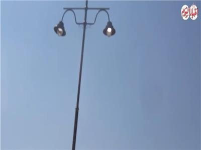 """أعمدة  الكهرباء """" منورة في عز الظهر """""""
