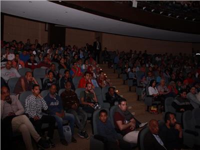 """حضور جماهيري كبير ل """" نادي الرجال السري"""" بالاقصر للسينما الافريقية"""