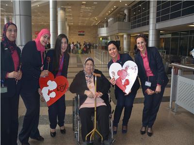 العلاقات العامة تحتفل بالأمهات في المطار