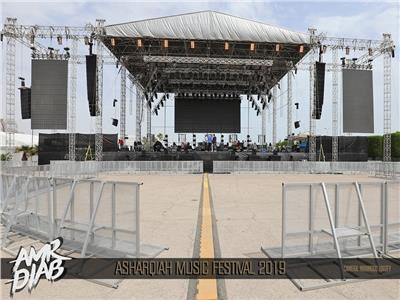 مسرح حفل عمرو دياب في السعودية