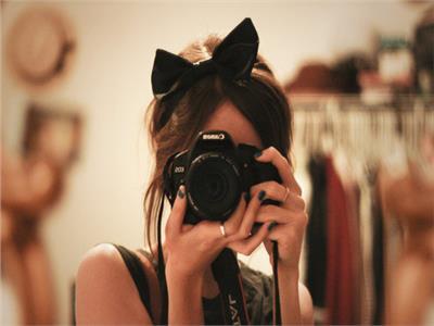 «اضحك الصورة تطلع حلوة» .. 4 نصائح عند التقاط الصور