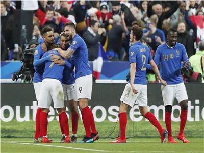 فرحة لاعبي منتخب فرنسا بالفوز